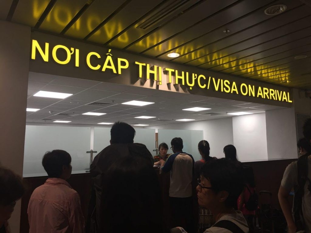 Tourist pick up visa on arrival at Da Nang Int'l Airport, Vietnam